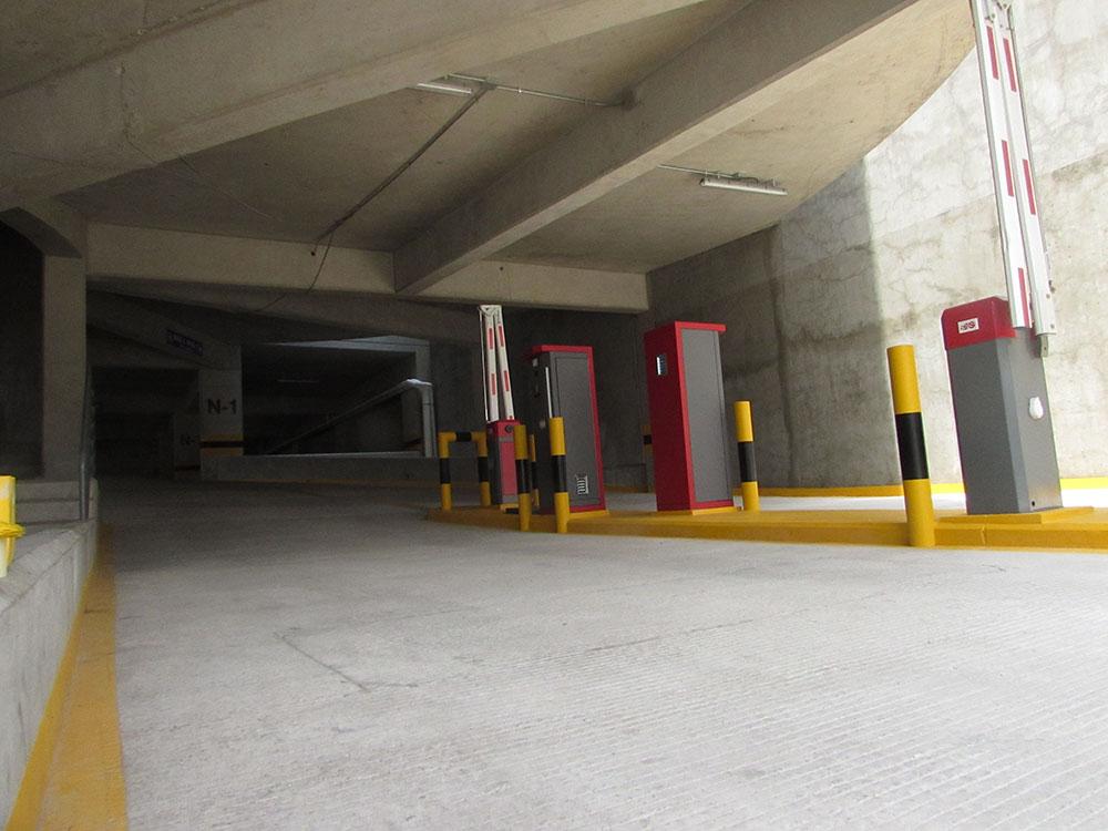 Entrada-de-Estacionamiento